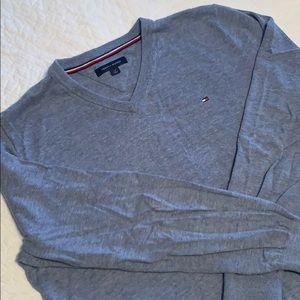 EUC Tommy Hilfiger Solid V-Neck Sweater Sz L